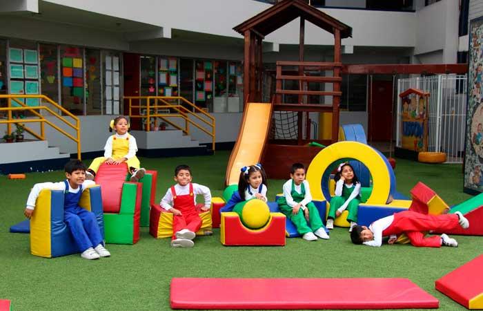 Colegio Carlos Lisson Beingolea Inicial