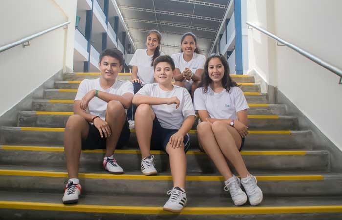 Colegio Carlos Lisson Beingolea Secundaria
